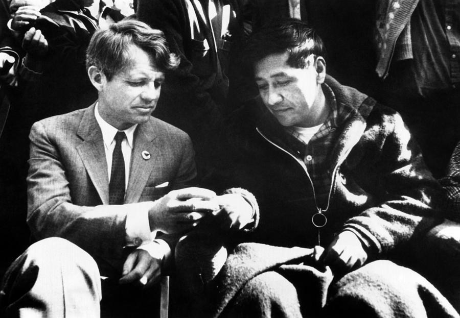 History Photograph - Cesar Chavez Ends His Hunger Strike by Everett