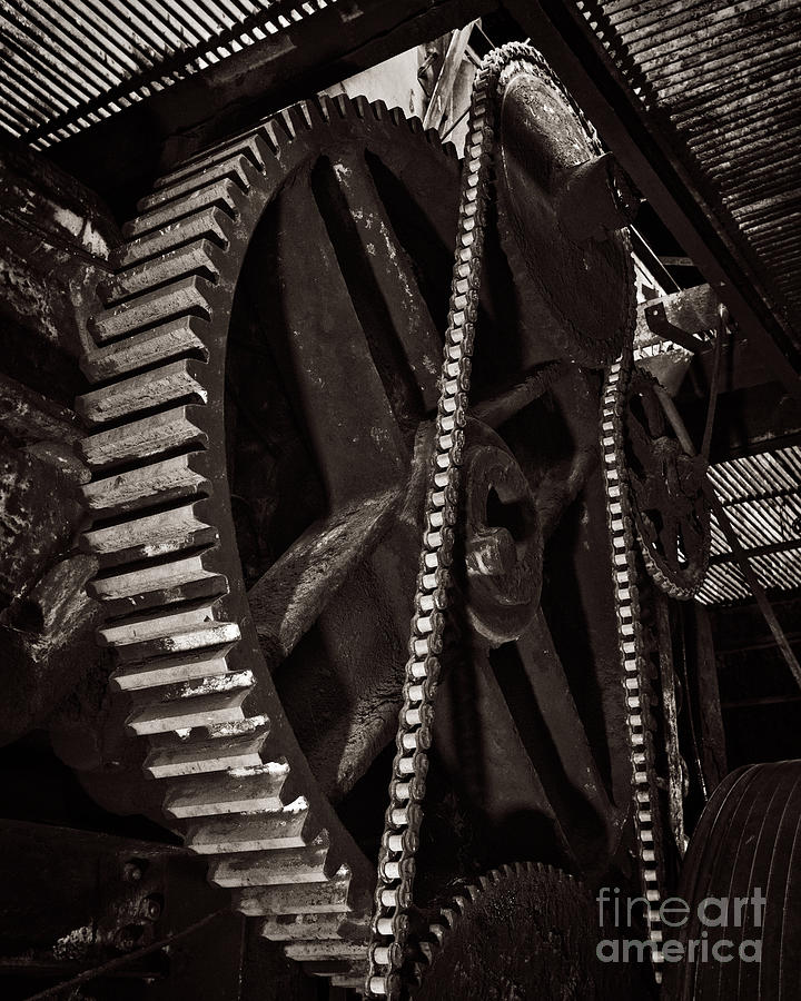 Chaining Gears by Royce Howland