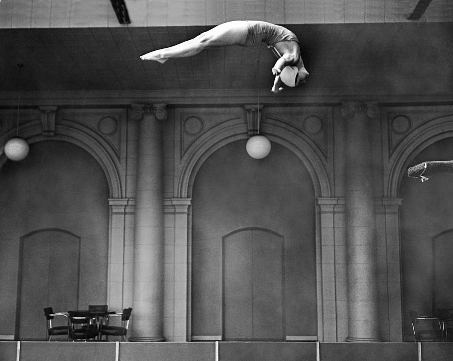 1930s Photograph - Champion Helen Crlenkovich by Underwood Archives