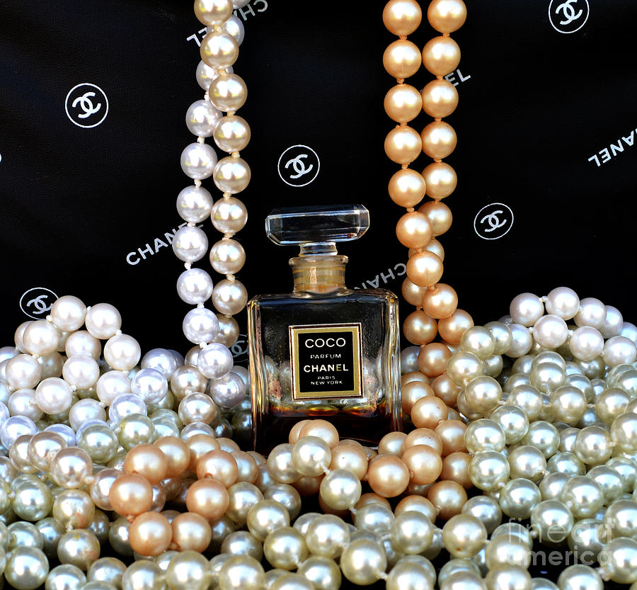 Chanel Photograph - Chanel Coco With Pearls by To-Tam Gerwe