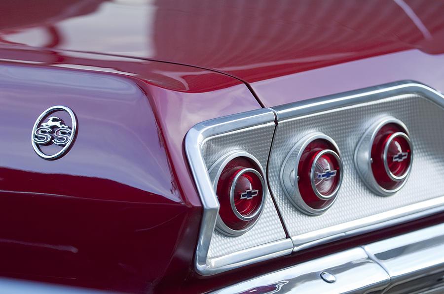 Chevrolet Impala Ss Photograph - Chevrolet Impala Ss Taillight 2 by Jill Reger