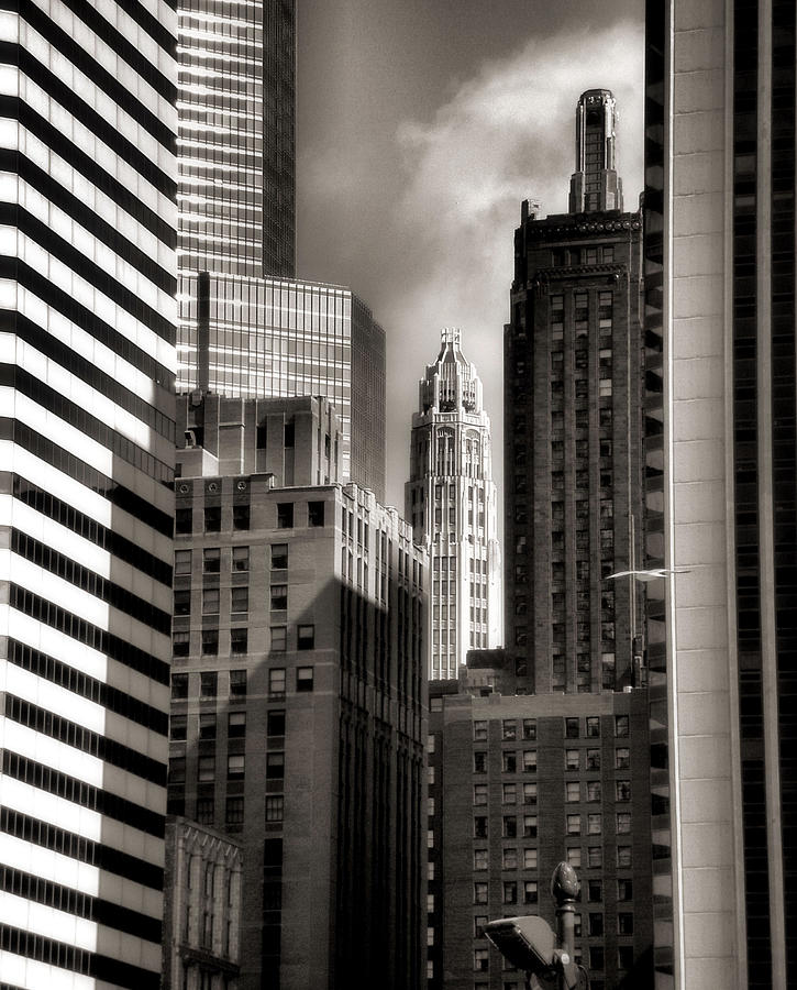 Chicago Architecture Photograph - Chicago Architecture - 13 by Ely Arsha