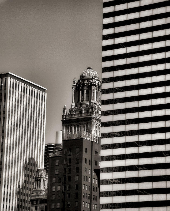 Chicago Architecture Photograph - Chicago Architecture - 14 by Ely Arsha