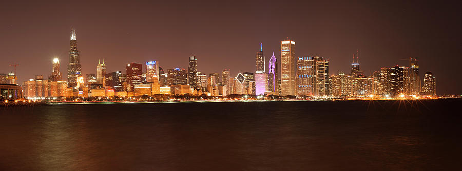 Chicago at Night by Miguel Winterpacht
