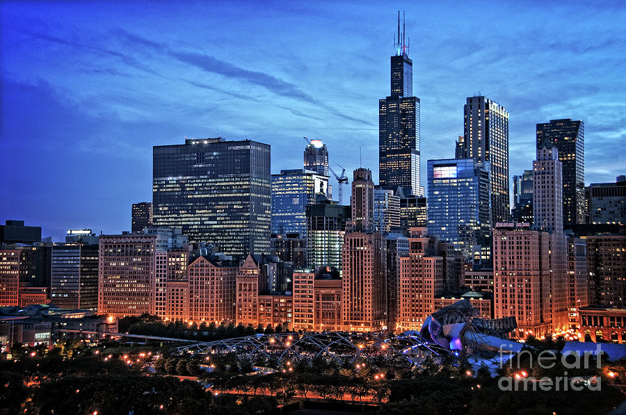 Chicago Photograph - Chicago At Night by Bruno Passigatti