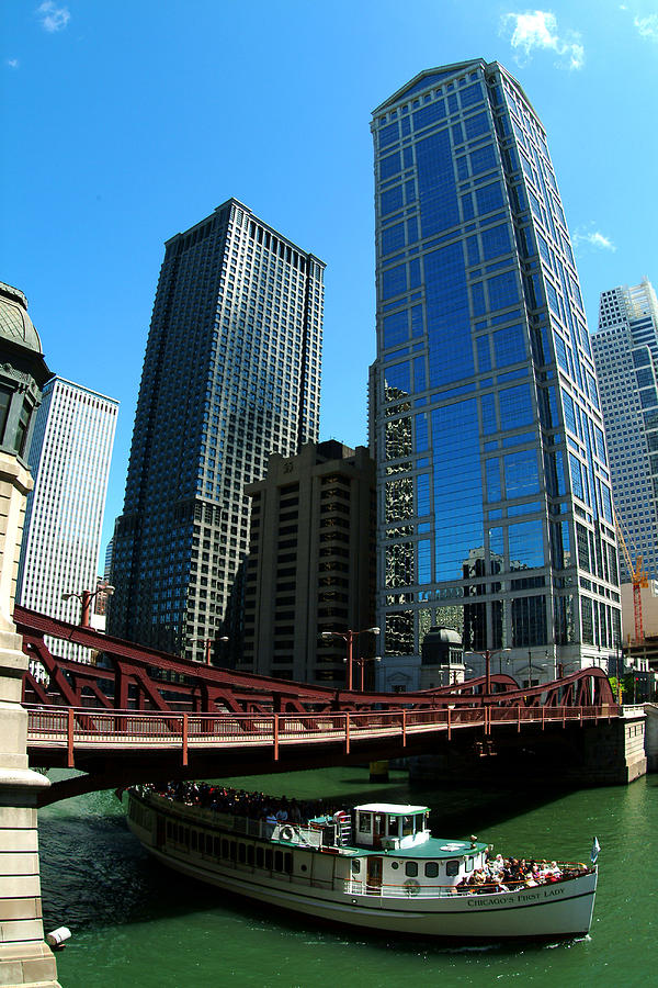 Chicago Photograph - Chicago River - Chicago Boat Tour by Dmitriy Margolin