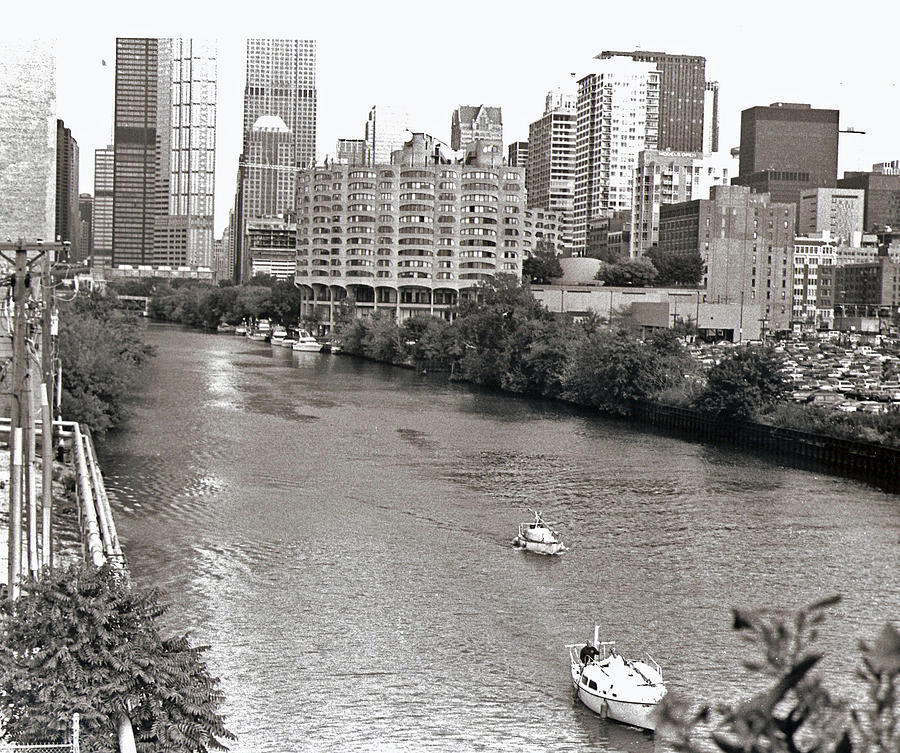 Landscape Photograph - Chicago River by Eric Belford