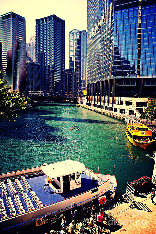 Chicago Cityscape Photograph - City of Chicago - River Tour by Frank J Casella