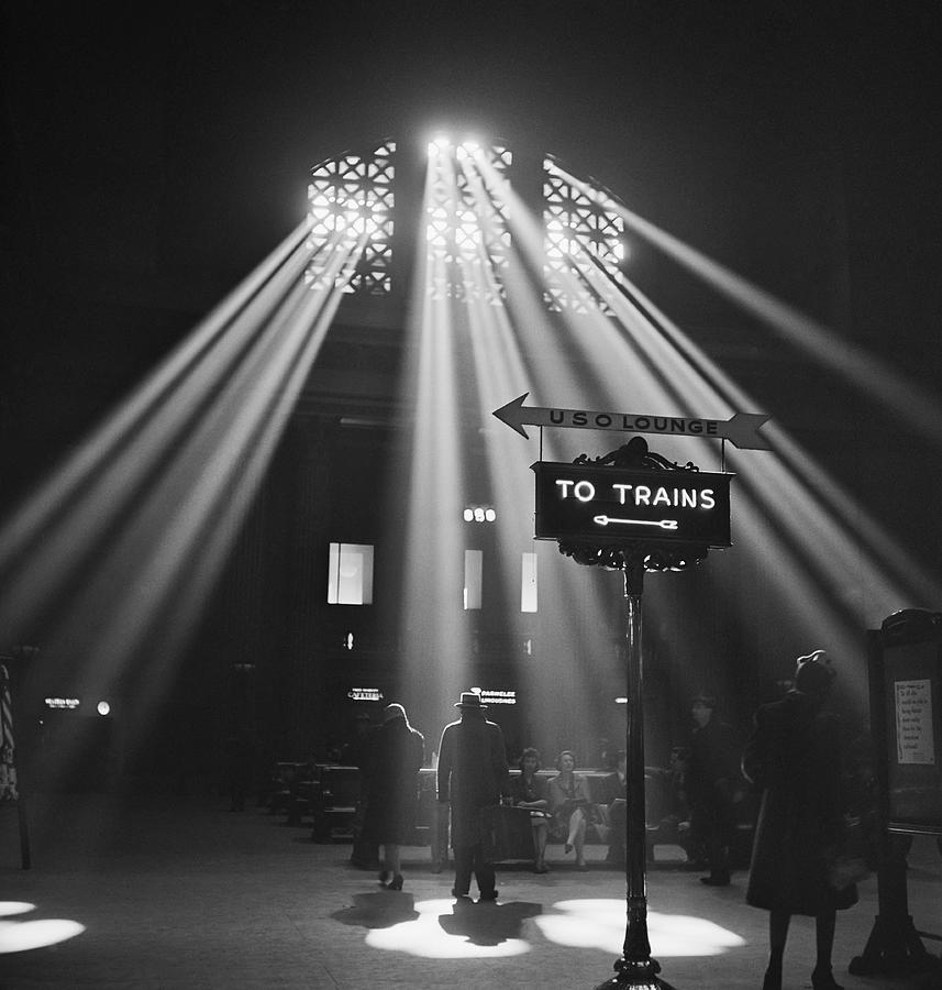 Chicago Photograph - Chicago Union Train Station - 1943 by Daniel Hagerman