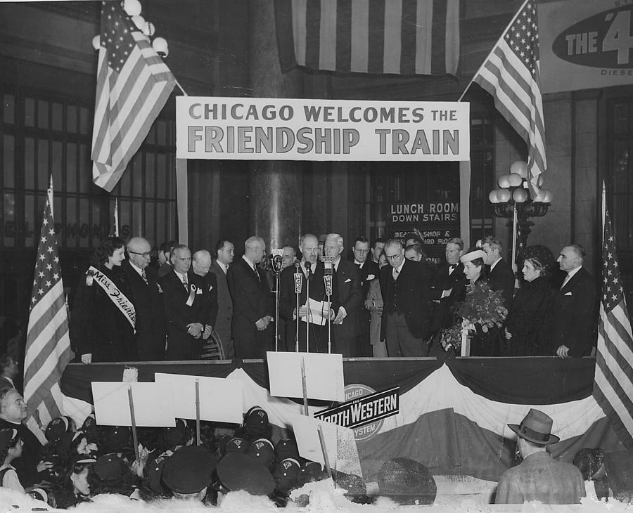 Italy Photograph - Chicago Welcomes the Friendship Train - 1947 by Chicago and North Western Historical Society