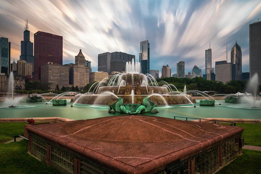 Chicagos Buckingham Fountain Photograph