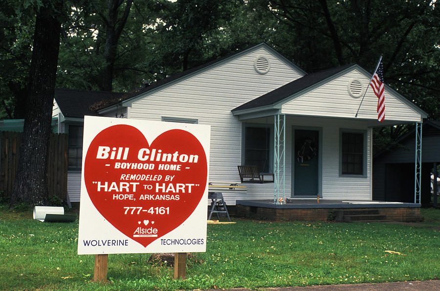 Childhood Photograph - Childhood Home Of Bill Clinton by Carl Purcell