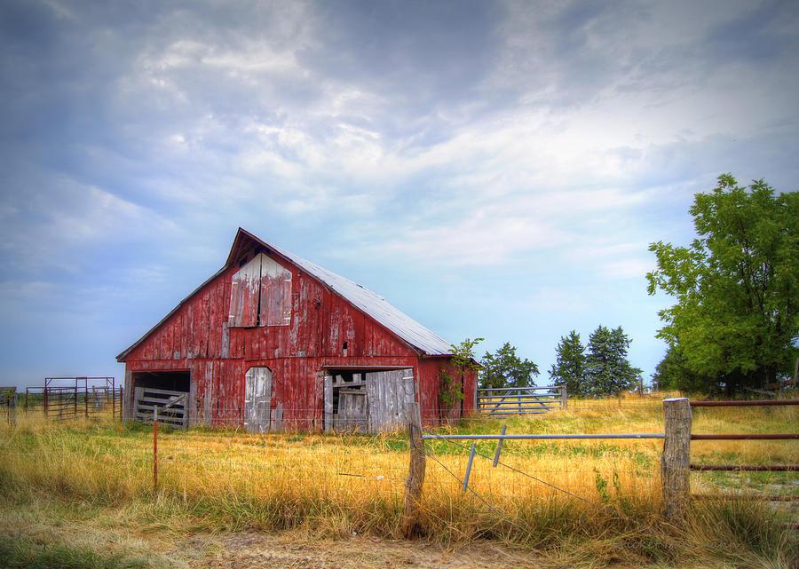 Barn Photograph - Christian School Road Barn by Cricket Hackmann