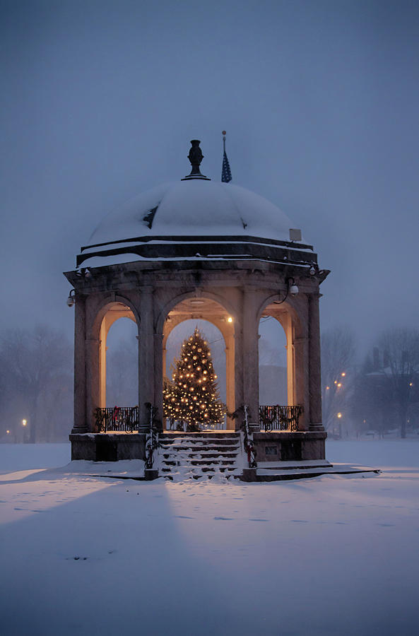 Salem Ma Photograph - Christmas On Salem Common by Jeff Folger