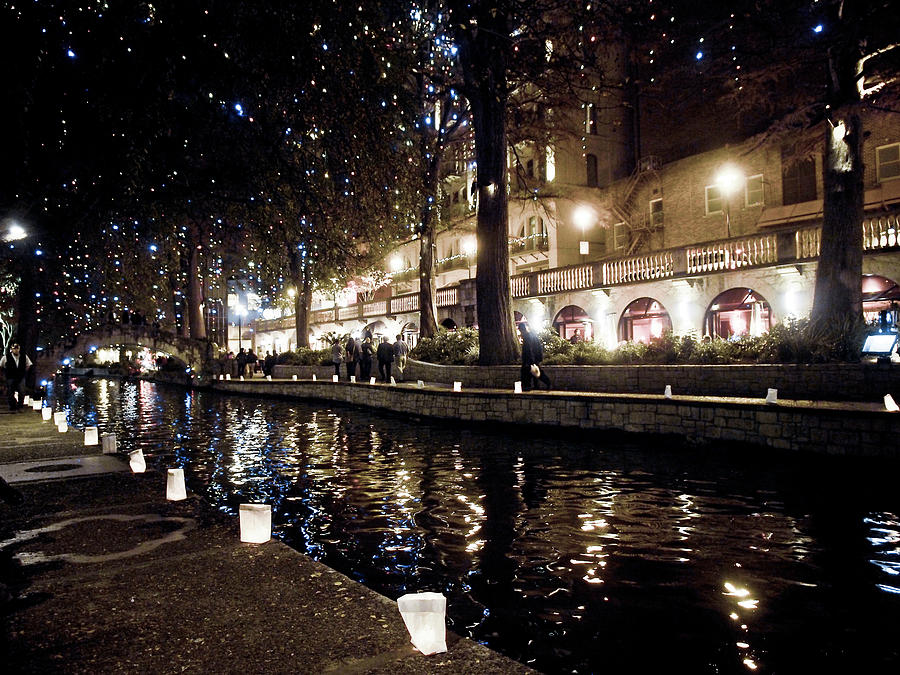christmas on the river walk photograph by linda unger - Christmas On The River