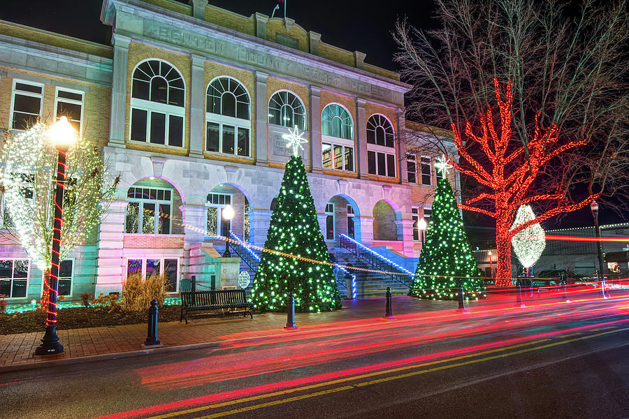 Christmas On The Square Downtown Bentonville Photograph By Gregory Ballos