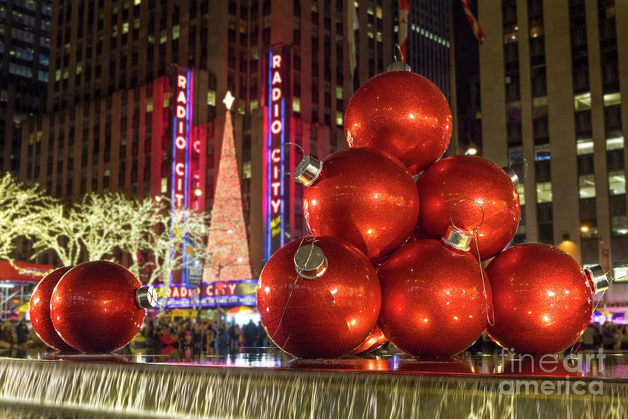 Christmas Ornaments Nyc Photograph by Jerry Fornarotto