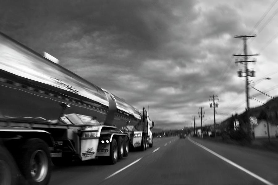 Man Photograph - Chrome Tanker by Theresa Tahara