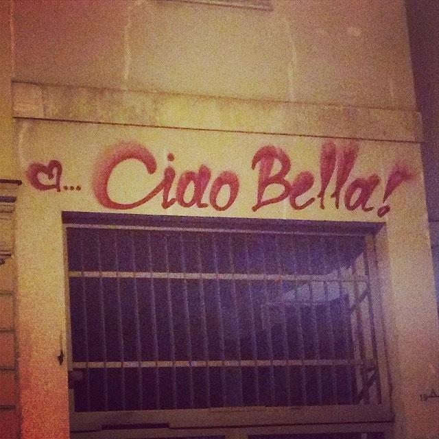 Street Photograph - Ciao Bella by Mariantonietta Del Villano