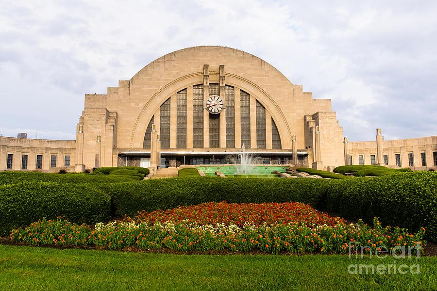 America Photograph - Cincinnati Museum Center At Union Terminal by Paul Velgos