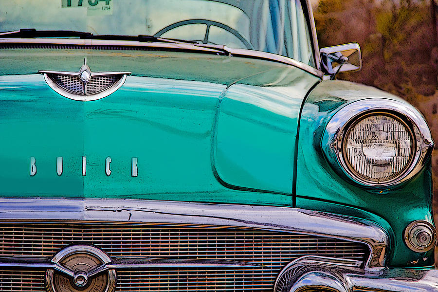 Cars Photograph - Classic Buick by Mamie Thornbrue