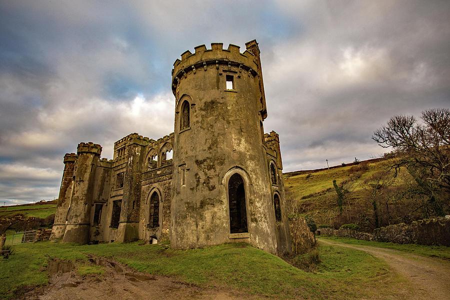 Clifden Castle Ruins by Stephen Dennstedt