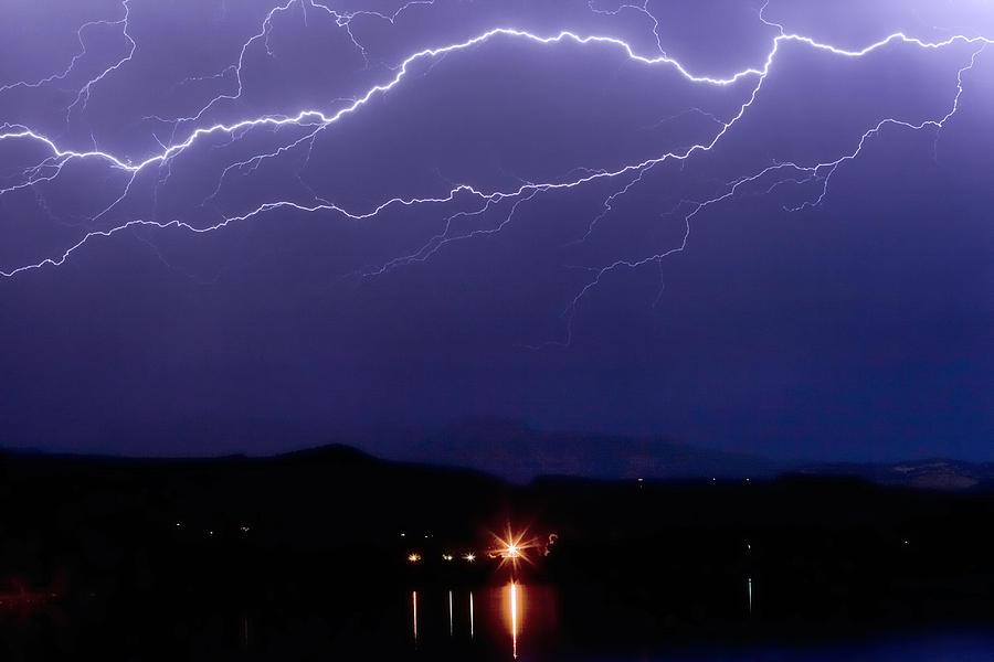 Lightning Photograph - Cloud To Cloud Horizontal Lightning by James BO  Insogna