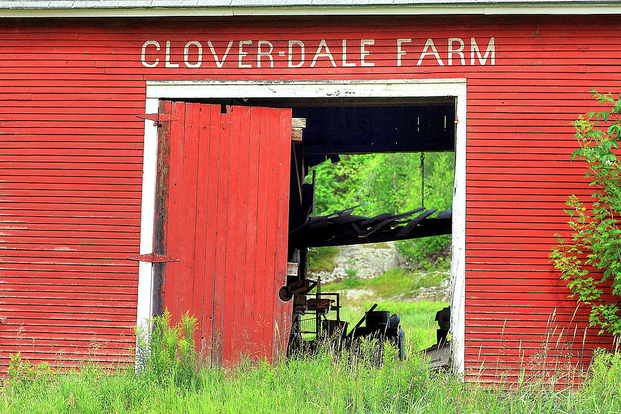 Clover Photograph - Clover Dale Farm by Brian Pflanz