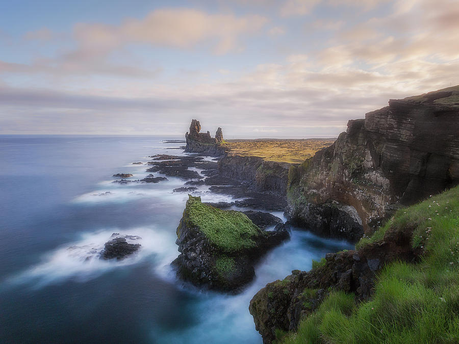 Coast of Iceland by Roelof Nijholt