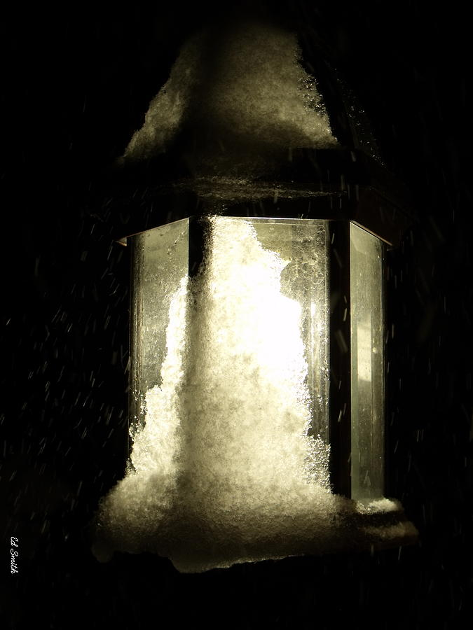 Lamp Photograph - Cold Winter Night by Ed Smith