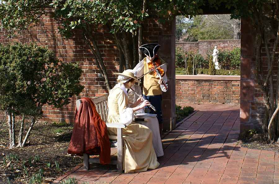 Tryon Palace Photograph - Colonial Music At Tryon Palace by Rodger Whitney
