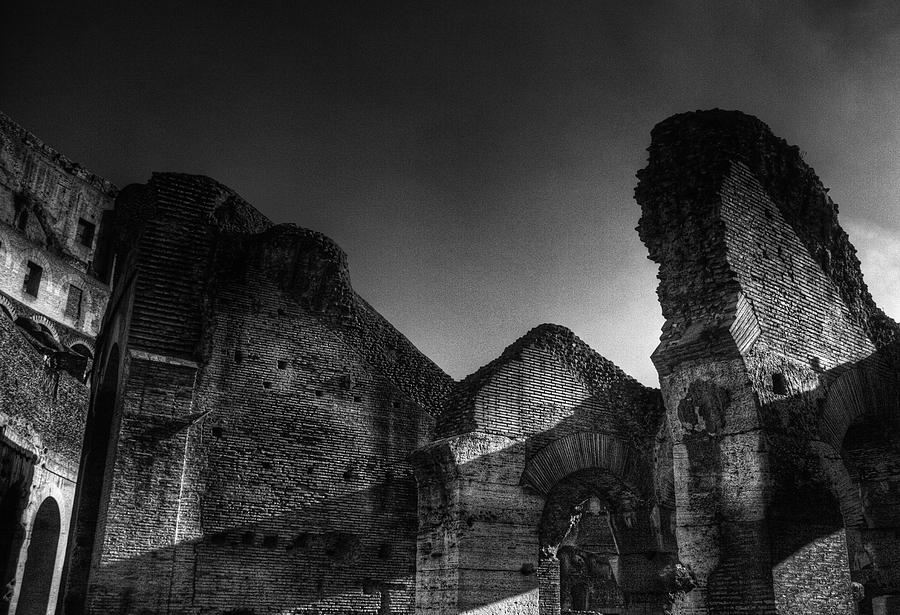 Rome Photograph - Coloseo 1 by Brian Thomson