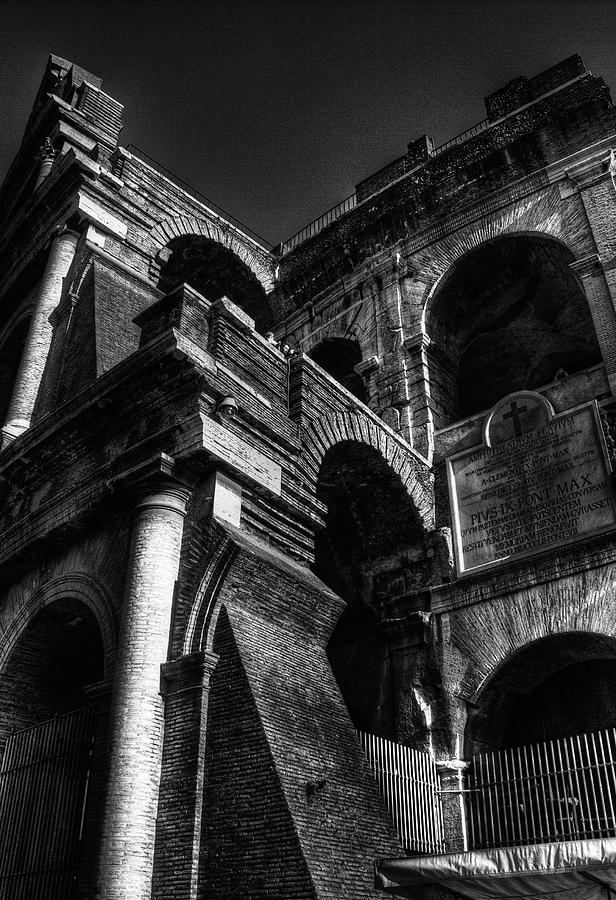 Rome Photograph - Coloseo 3 by Brian Thomson
