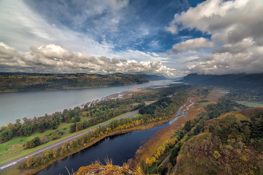 Columbia Gorge Photograph - Columbia River Gorge In Autumn by David Gn