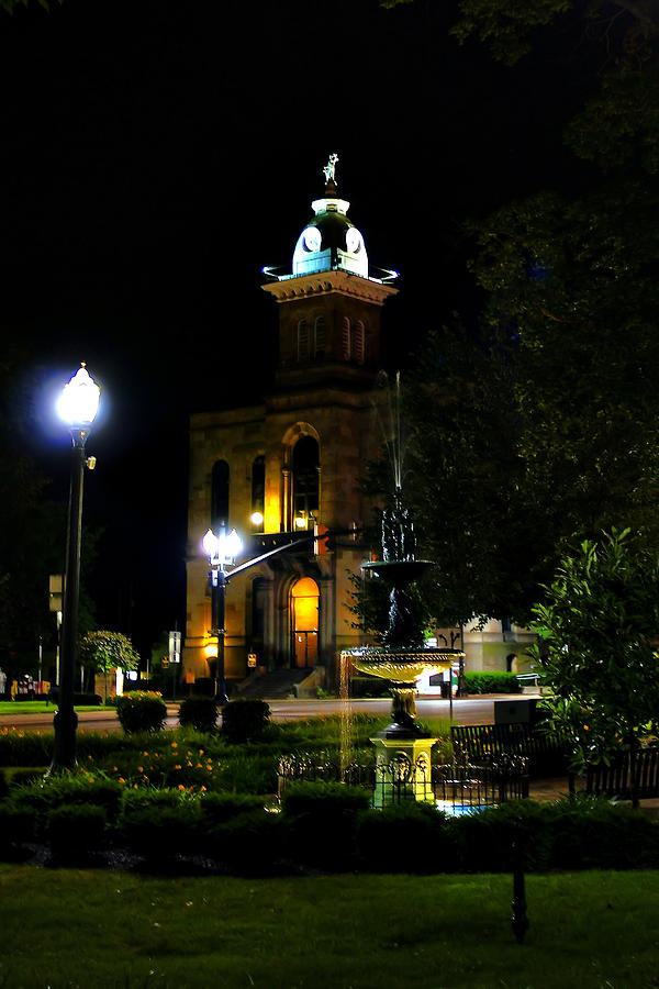 Columbiana Cty Courthouse Photograph