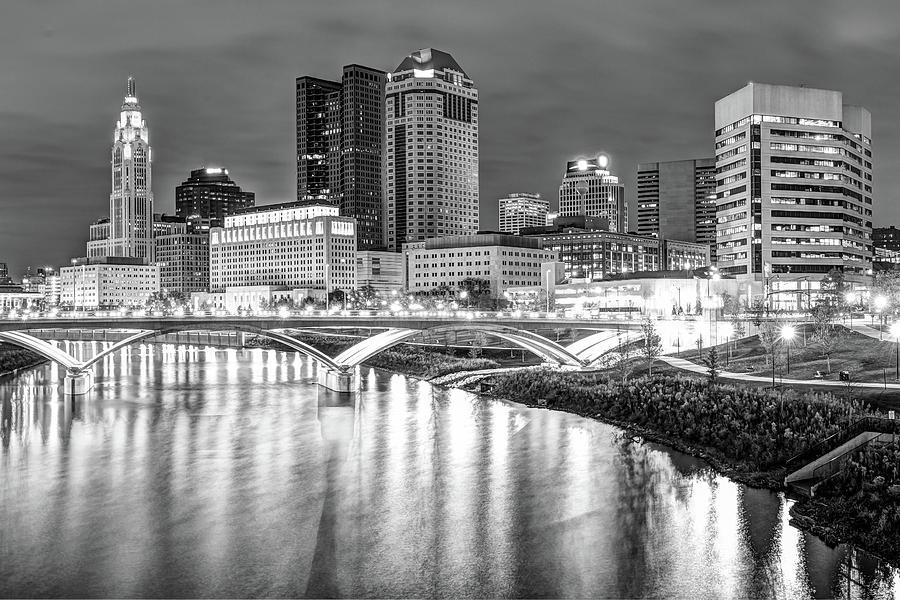 Columbus Skyline Black And White