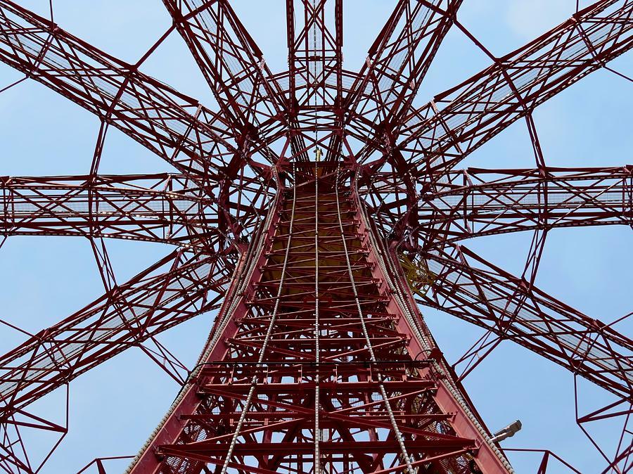 Coney Island Photograph - Coney Island Parachute Jump 01 by Jonathan Sabin
