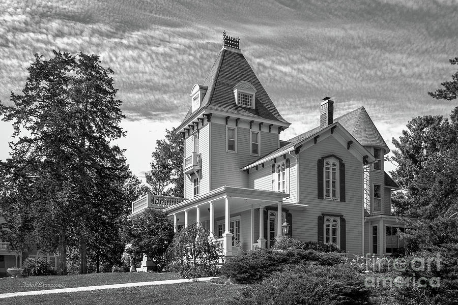 Cornell College Photograph - Cornell College Presidents House by University Icons