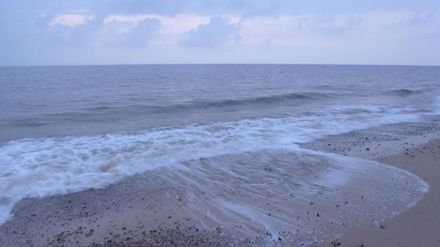 Dawn Photograph - Corton Beach Dawn Ocean Waves 1 by Richard Griffin