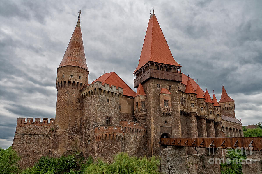 Corvin Castle Photograph - Corvins Castle by Yair Karelic