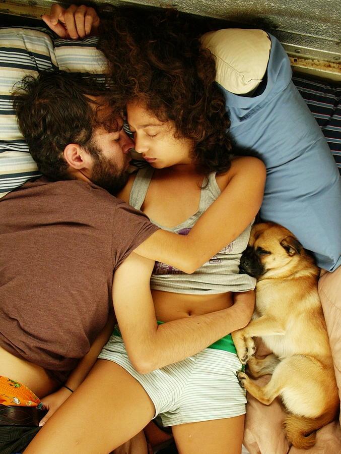 Bus Life Photograph - Cosy Cuddling by Kareem Farooq