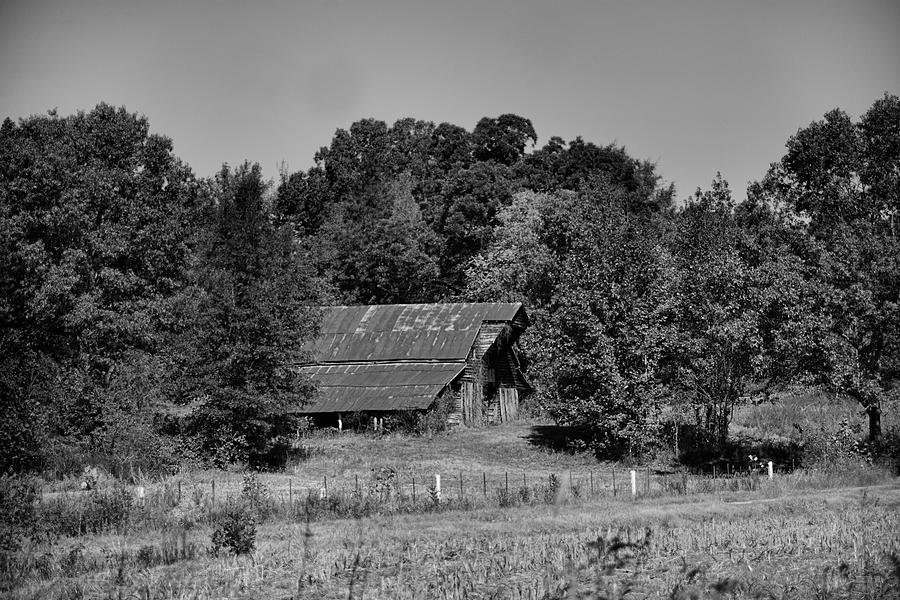 Jai Johnson Photograph - Country Barn in Black and White 122020157061 by WildBird Photographs