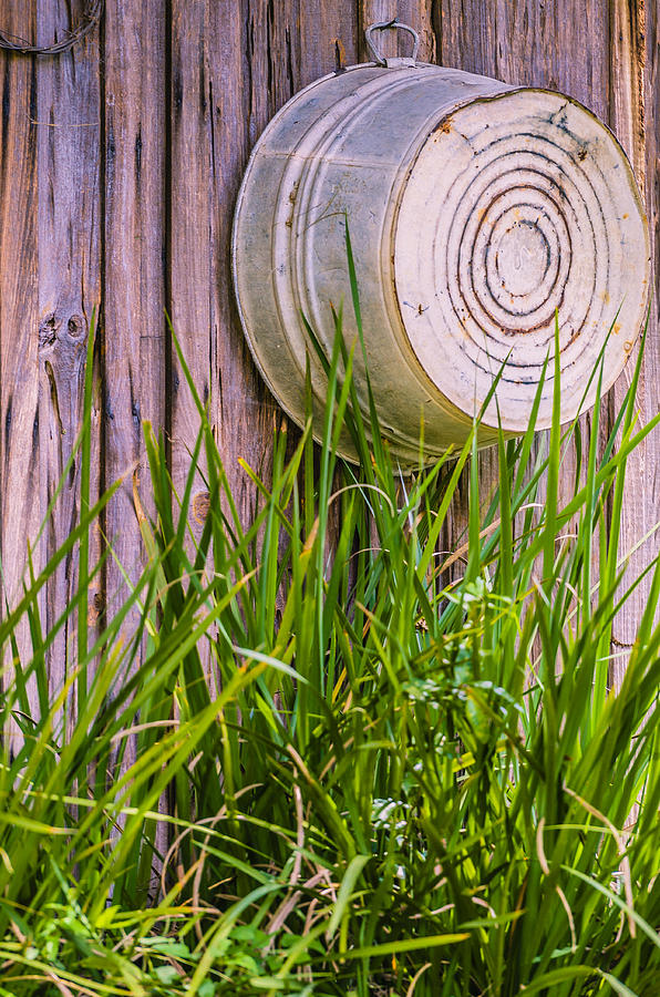 Washtub Photograph - Country Bath Tub by Carolyn Marshall