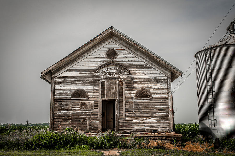 Scott County Photograph - Country School by Ray Congrove