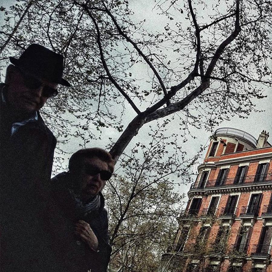 Citylife Photograph - Couple #streetmagazine by Rafa Rivas