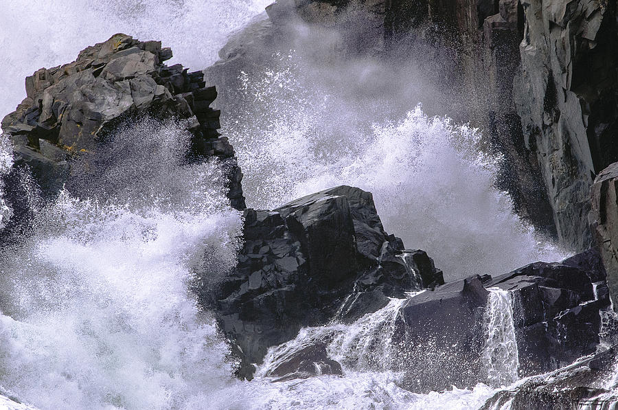 State Park Photograph - Crashing Wave At Quoddy by Marty Saccone