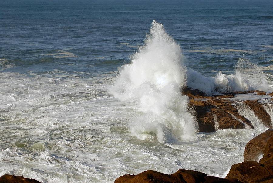 Oregon Coast Photograph - Crashing Waves by Curtis Gibson