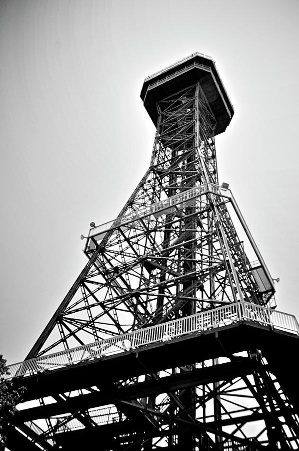 Texas Digital Art - Crazy Drop Tower by Alicia Morales
