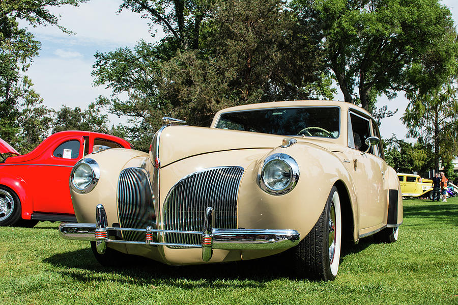 cream-colored-1941-lincoln-continental-c
