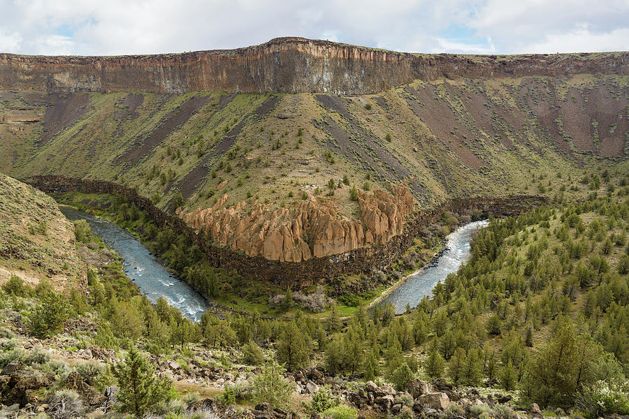 Crooked River Photograph - Crooked River Gorge by Joe Hudspeth